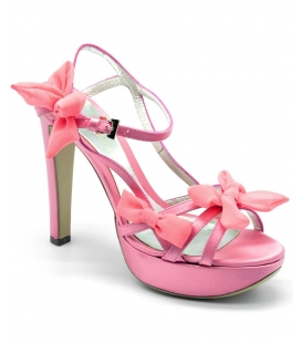 Sandal in pink satin , Andrea Cancellieri