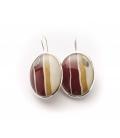 Antonella Piacenti, orecchini ovali in argento e resina naturale con seta, colore rosso. BATIK-JAVA.