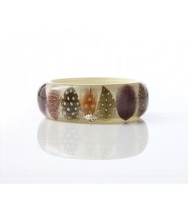 Antonella Piacenti, bracciale rigido in resina naturale epossidica, piume e argento. Colore: MULTICOLOR PIUMA sun