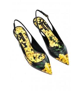 Dolce&Gabbana, modello Chanel mimose