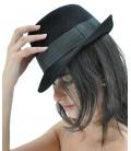 Modello Borsalino nero con fascia